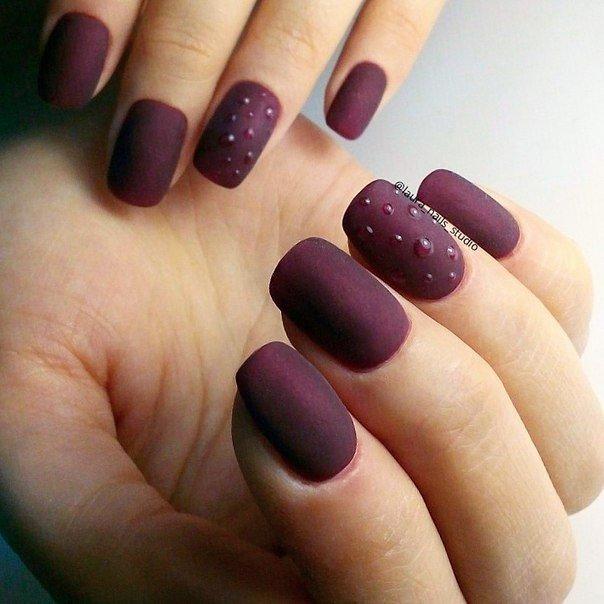 ногти малинового цвета фото