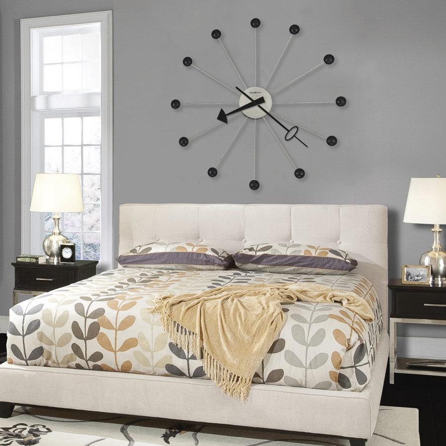 Часы в интерьере часы — немаловажная составляющая интерьера, и если часы не вписываются в интерьер, то и вид гостиной утратится.