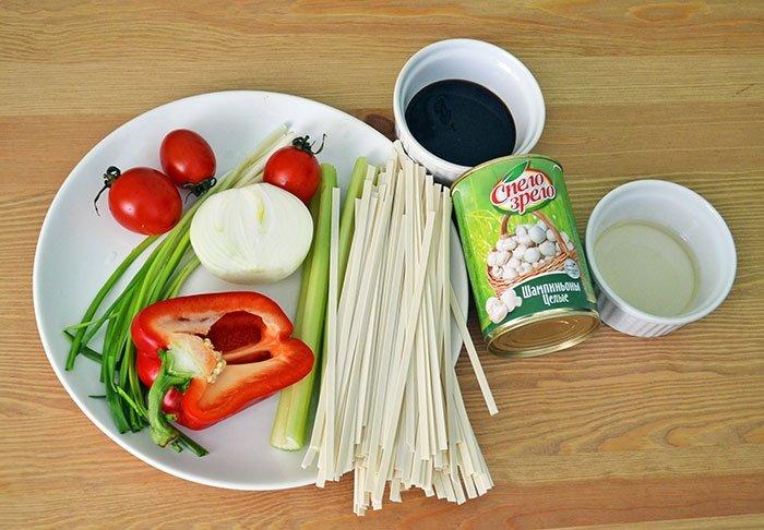 Лапша удон с курицей и овощами рецепт с фото - 1000.menu
