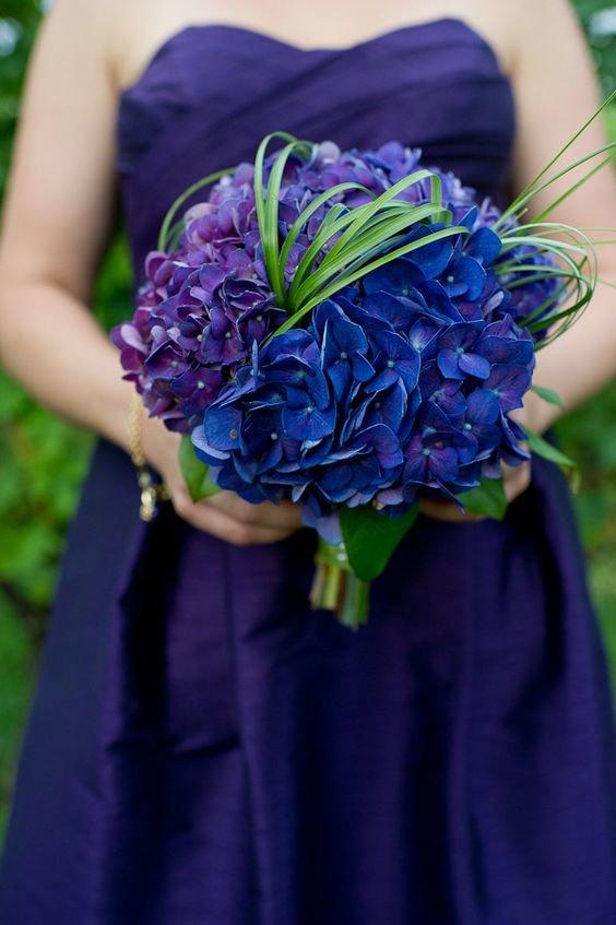 Букет невесты сине фиолетовый