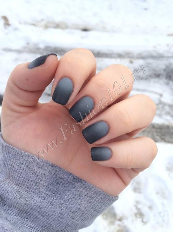 Маникюр омбре серый фото