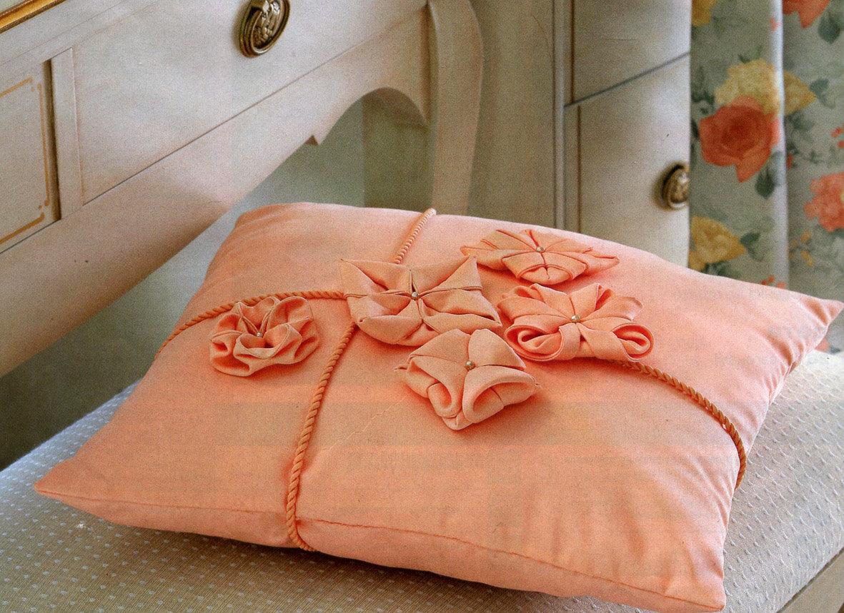 Красивые подушки своими руками картинки