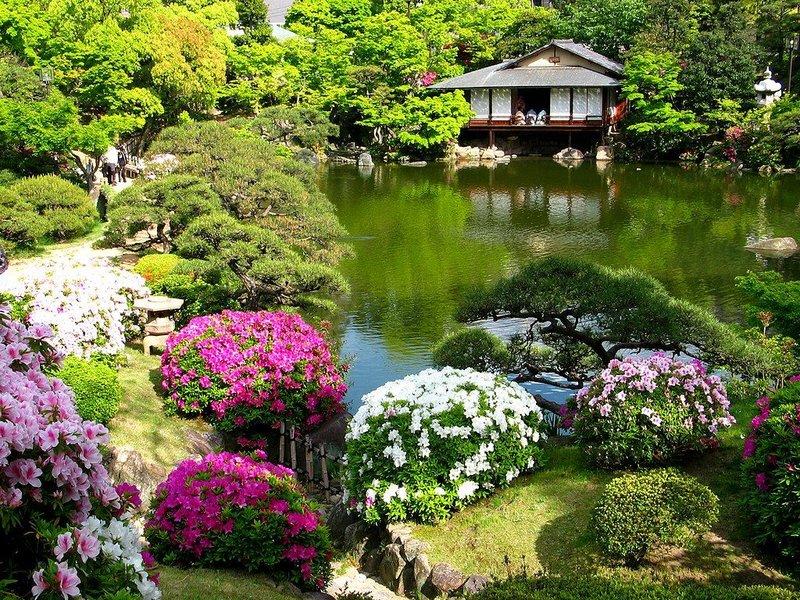 Нельзя просто раскидать камни, развесить музыку ветра и расставить статуи Будды в саду.