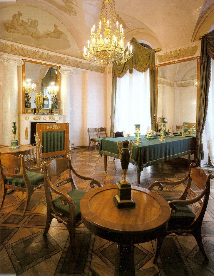 Стиль ампир в интерьере впервые себя проявил во Франции в годы правления нашумевшего Бонапарта. Дизайн в стиле ампир дает возможность любую комнату сделать похожей на настоящие королевские хоромы. Стилю присуща напыщенность и помпезность в лучших своих проявлениях.