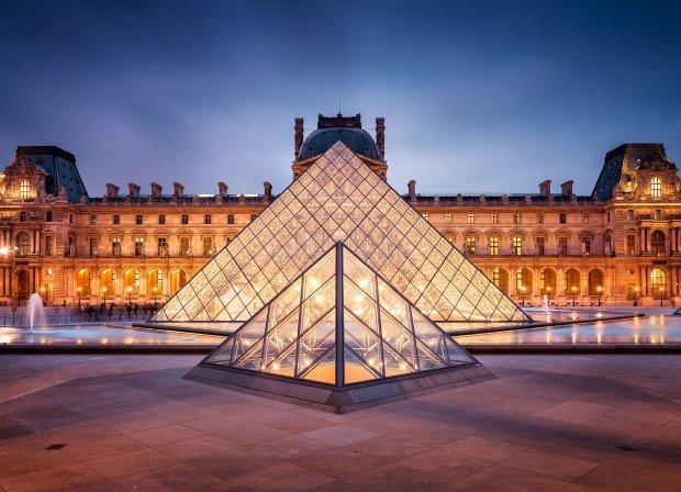 Лувр (Париж, Франция)