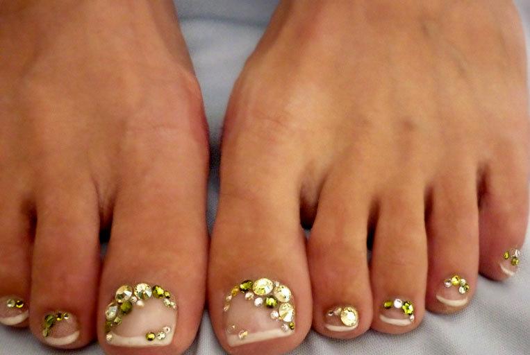 Почему не держится шеллак на ногтях, советы в данной статье.