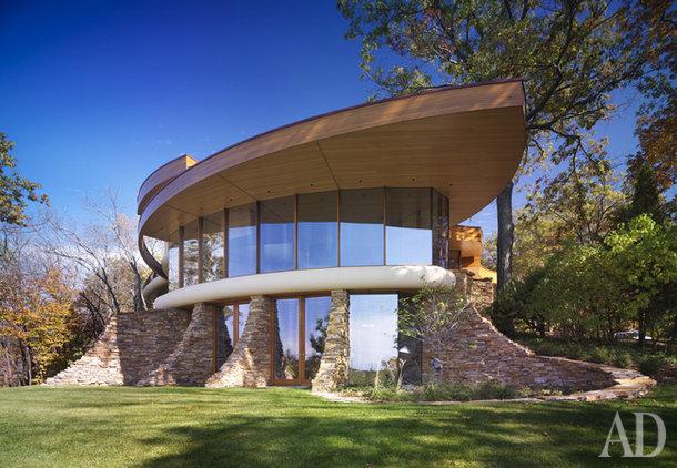 Вилла Chenequa Residence на берегу озера на западной окраине Милуоки, штат Висконсин.