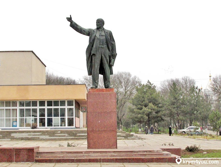 кратко о памятниках и фото г джанкоя корпуса