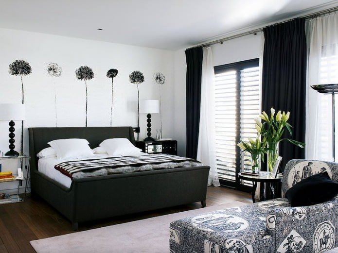 оформление спальни в черно-белом цвете