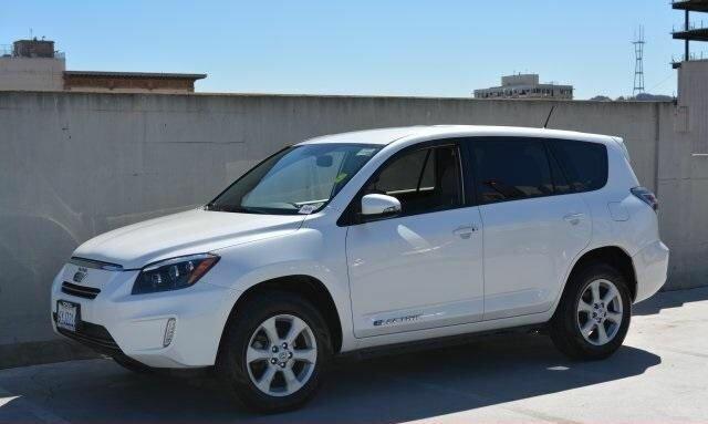 Купить Toyota RAV4 EV 2012 г.в. под заказ из США. Тел 044 362-7885