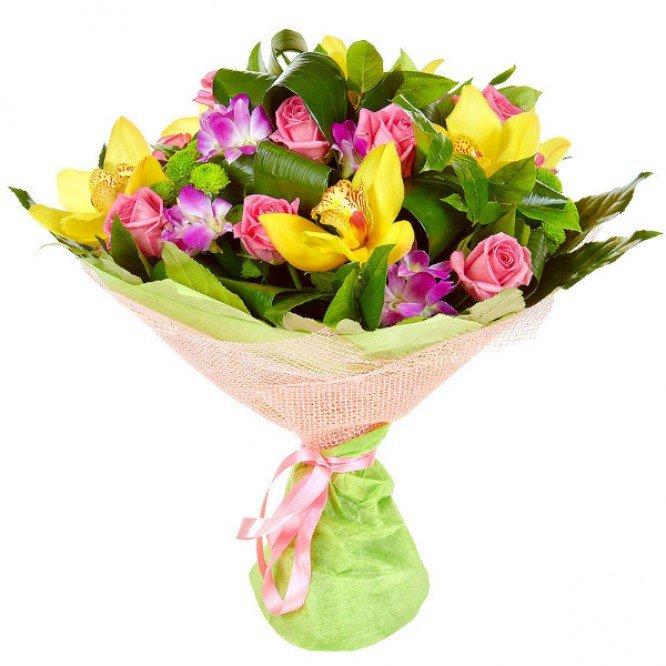 Цветами атласных, небольшой букет из орхидей и роз фото