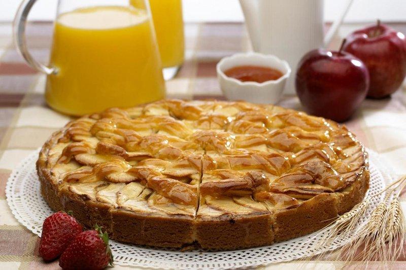 Самый вкусный яблочный пирог с глазурью пошагово. Сочный, нежный и красивый.