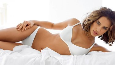 Среди современных девушек набирает популярность и новая традиция ... 0590045f1cd