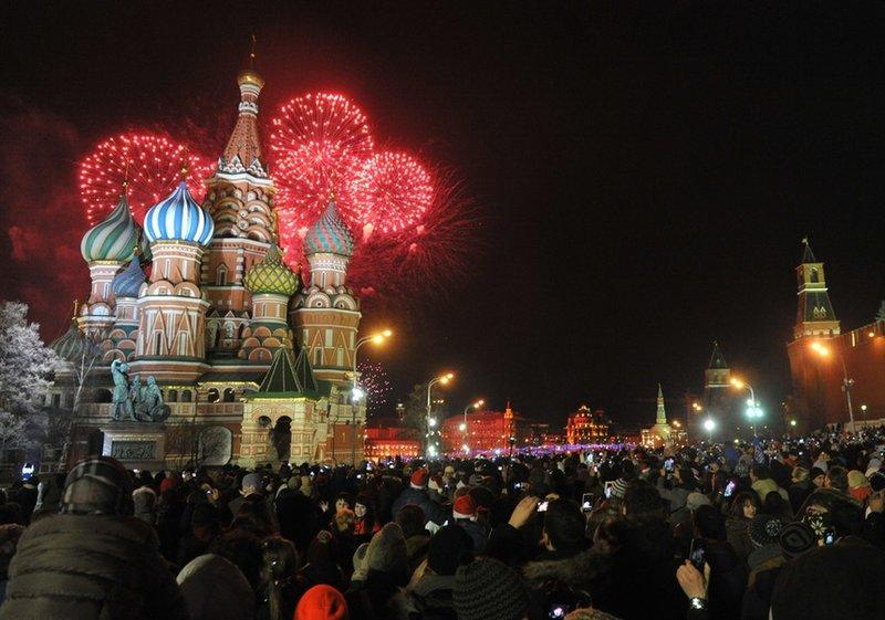 Предвкушение Нового года появляется в душе у детей и взрослых уже в первых числах декабря и достигает пика в волшебную ночь с 31 на 1.