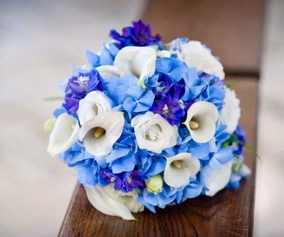 Свадебные букеты с синими цветами