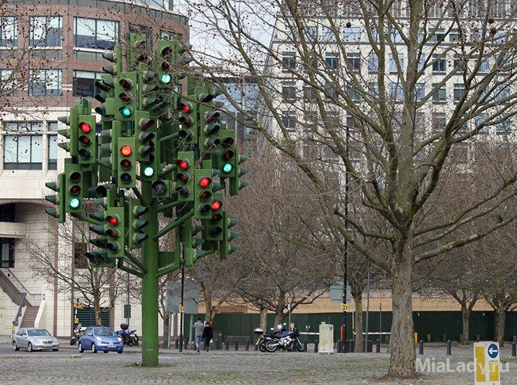 Дерево в виде светофора (Великобритания, Лондон).