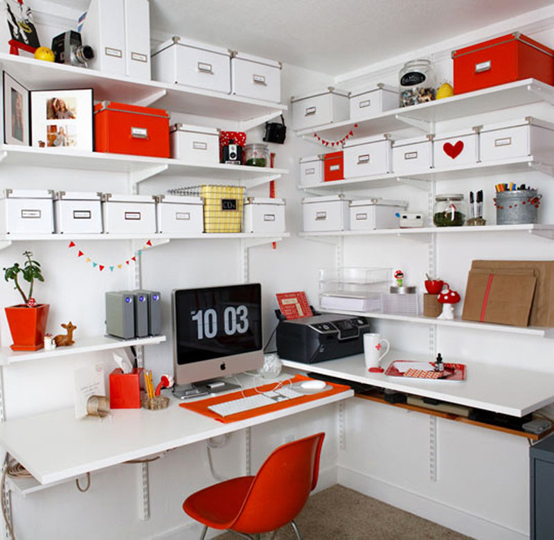дизайн рабочего кабинета с множеством коробок