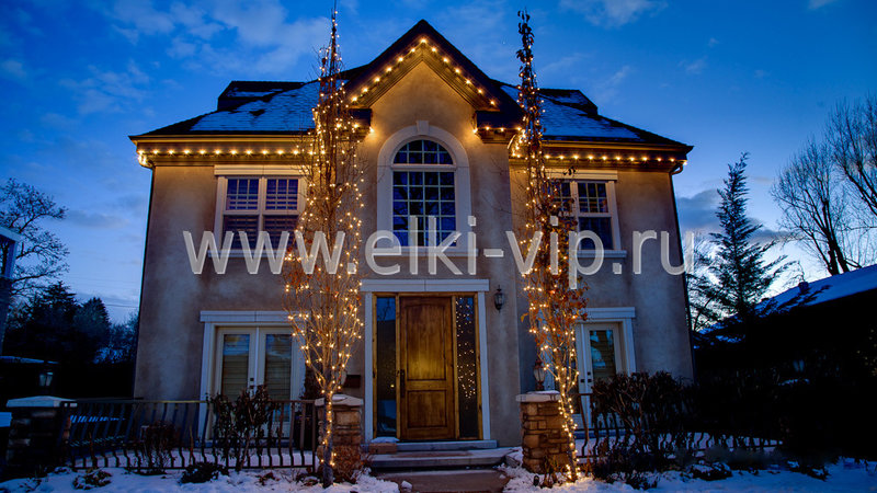 Новогоднее украшение и подсветка фасада.