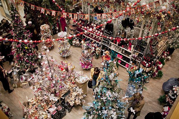 Каждый год тематика новогоднего ярмарка меняется.