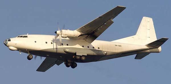 Ан 8 - первый отечественный специализированный газотурбинный военно-транспортный самолет, созданный для и парашютного десантирования техники и войск, а также их транспортировки.