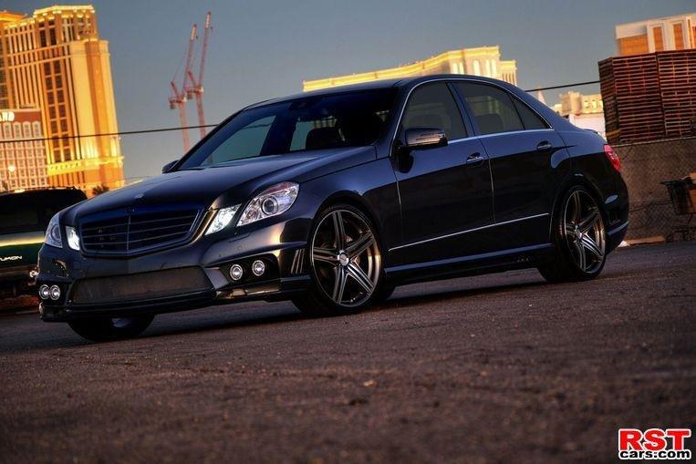 фотографии Mercedes E-Class W212 Black Bison Edition.