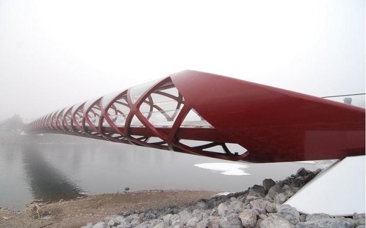 Мост мира Peace Bridge от Сантьяго Калатравы в Калгари