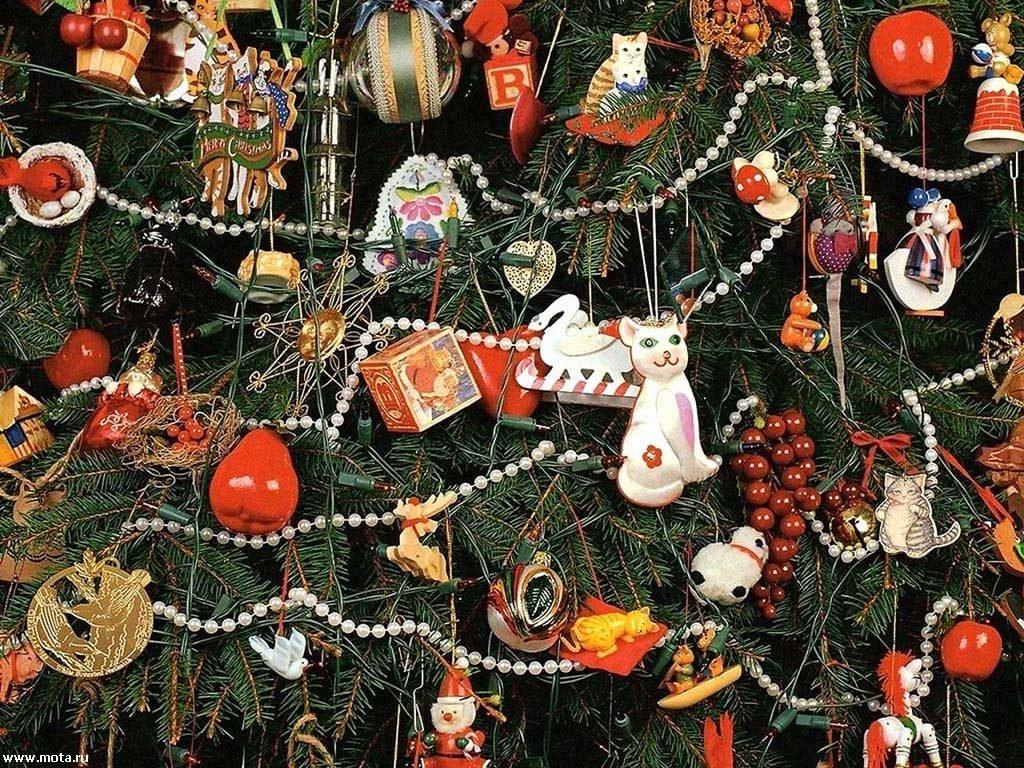 Открытка украшаю елку