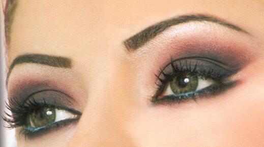 Научитесь правильно рисовать стрелки и акцентировать внимание на преимуществах и красоте своих глаз. Как сделать арабский или индийский макияж своими руками, или даже повторить макияж звёзд? С нашими уроками вы научитесь не только правильно наносить макияж своими руками,
