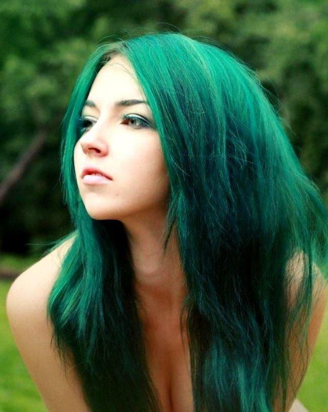Как покрасить волосы в зелёный цвет