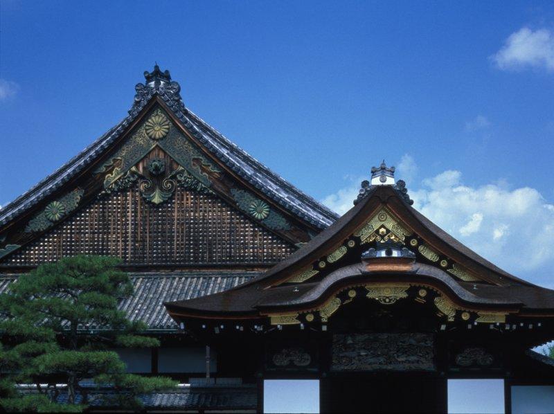 Кроме памятников древней архитектуры в Японии есть много современных строений, поражающих своим необычным обликом.