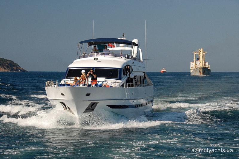 Моторная яхтаMonte Fino
