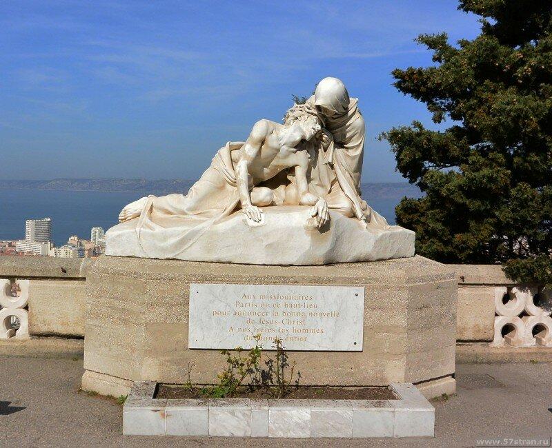 Фото и Достопримечательности Марселя. Старый порт и базилика Нотр-Дам-де-ла-Гард - описание, путеводитель. Поездка в Марсель самостоятельно.