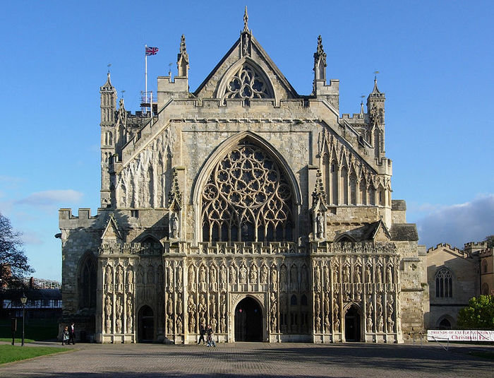 relationship with gothic architecture This is the place where both the gothic revival in architecture and gothic fiction began the whole thing is a fake or theatrical version in miniature of what a gothic or medieval castle might be but it's not just architecturally that this house is important, because it's also very important in literary terms.