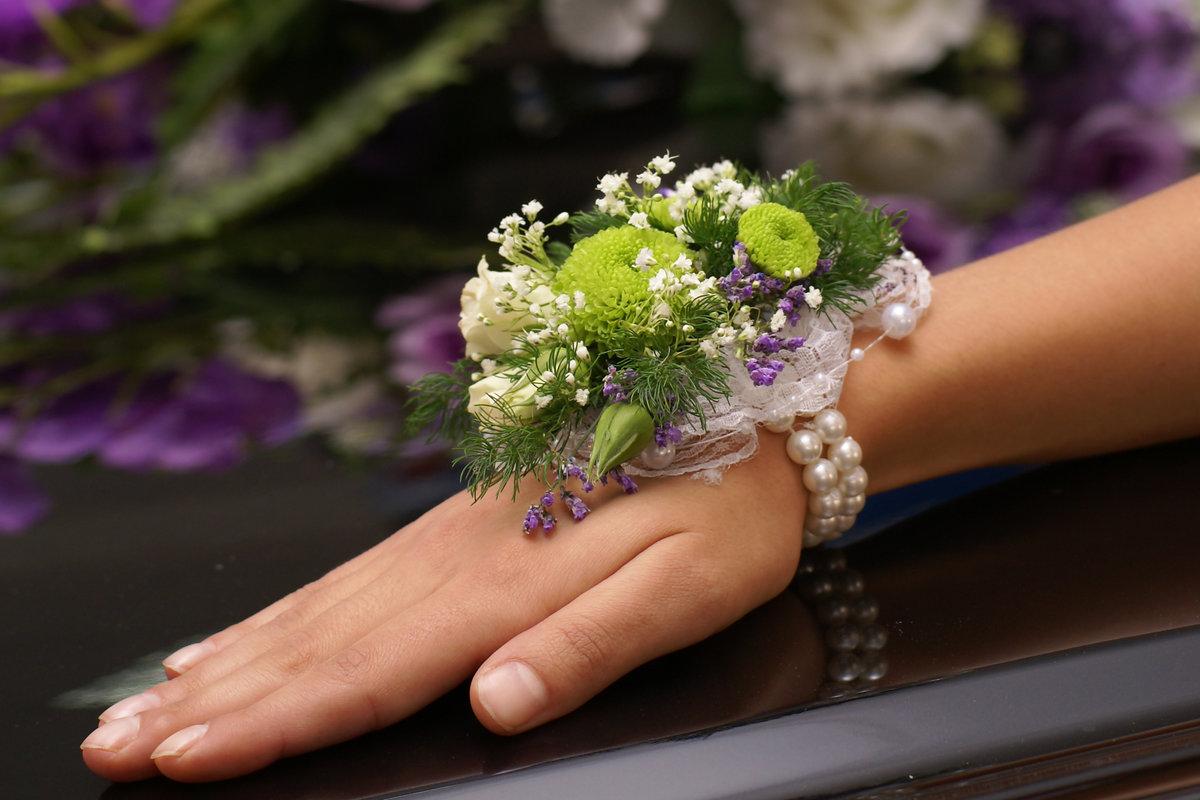 Большой букет, живые цветы на руку купить спб