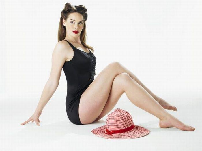 Девушка с маленькой шляпкой