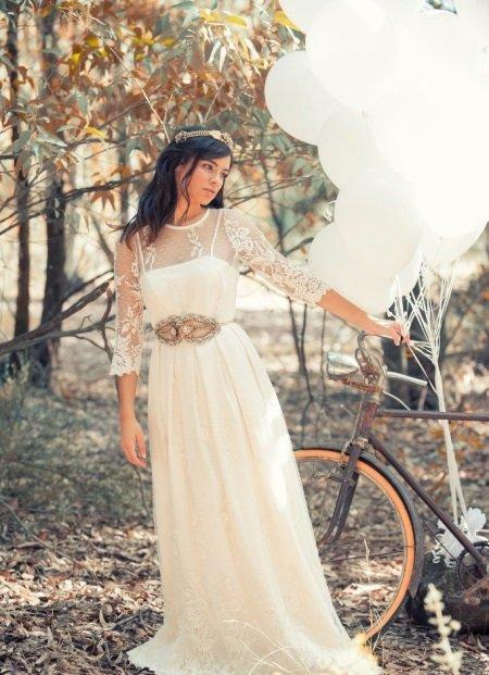 Свадебные платья с рукавами из кружева.