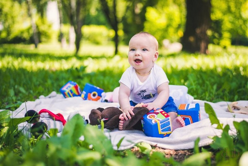 Пацан на пикнике