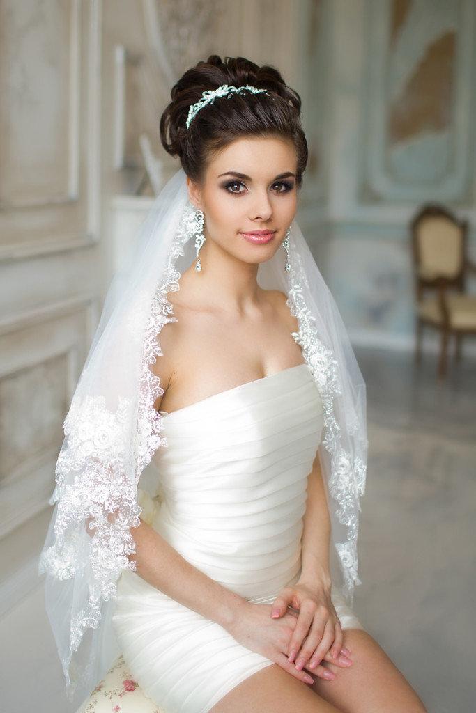 Причёски невесты с фатой