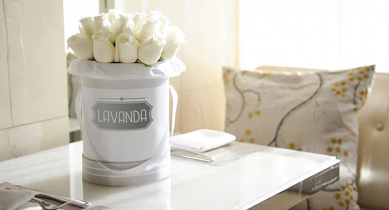 Свежие цветы в шляпных коробках по низким ценам. Доставка по Москве в день заказа. Создаем оригинальные букеты по вашим запросам.