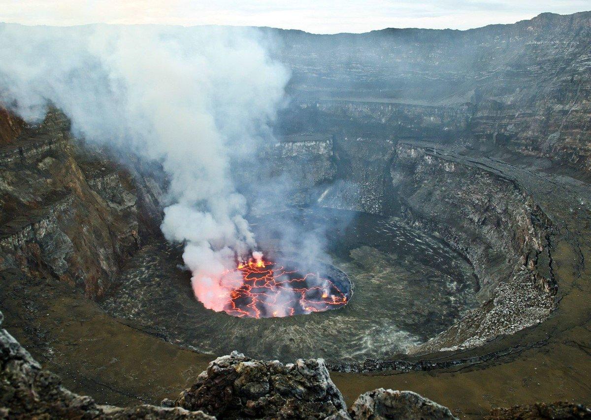 жерло вулкана йеллоустоун фото букет разноцветного крепа