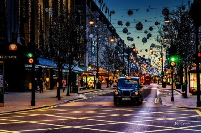 Сказочные города, которые готовы ко встрече Нового года Елки, игрушки, миллионы огней и глинтвейн. Ежегодно перед рождественскими и новогодними праздниками миллионы