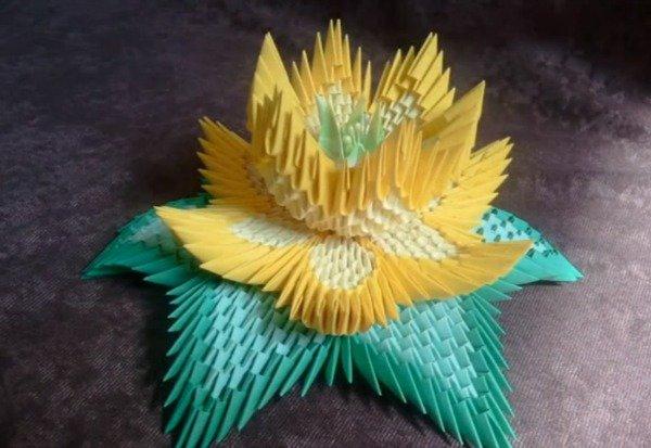 Модульное оригами цветок Лотос