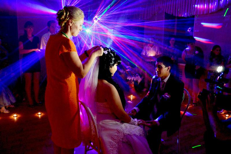 Снятие фаты на свадьбе видео