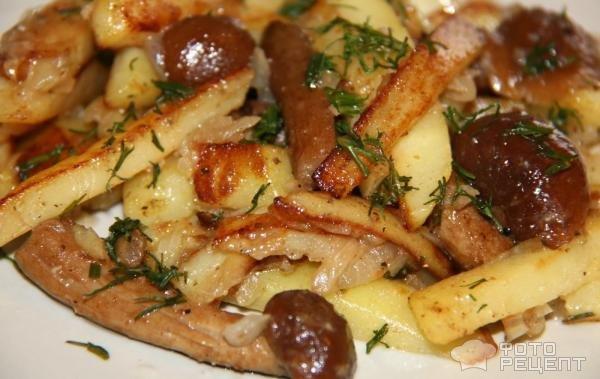 Тушеная картошка с замороженными белыми грибами