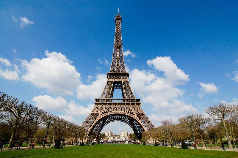 Какие главные достопримечательности Парижа? Достопримечательностью Парижа номер один вот уже второе столетие Главные достопримечательности Парижа