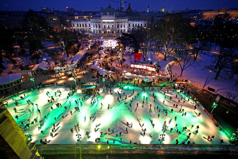 """""""Ледовая мечта"""" в самом центре австрийской столицы."""