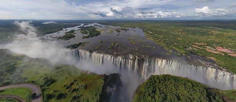 Водопад Виктория издали