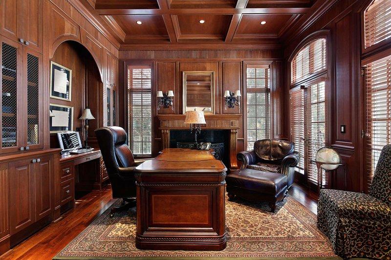 Классический кабинет дома