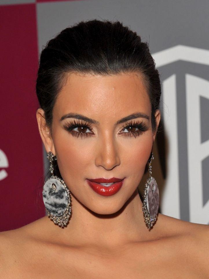 Гламурный макияж - выразительный макияж для брюнеток с карими глазами