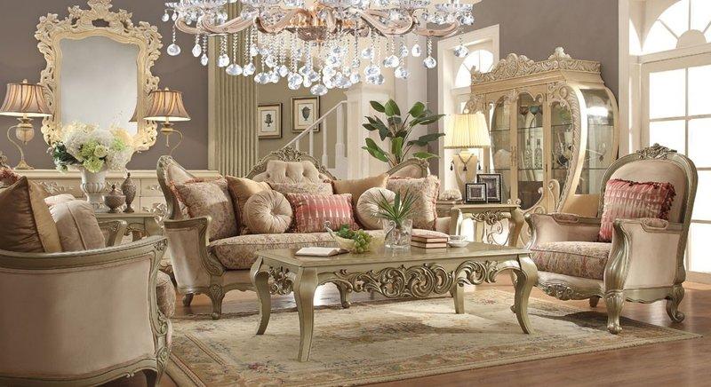 Большие декорации гостиной проявили себя в эпоху королевы Елизаветы, поскольку они сопровождают комфорт для пользователей